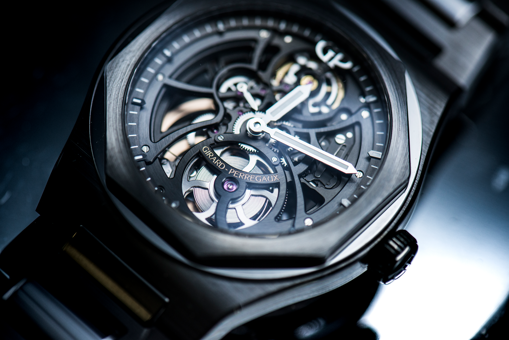 Laureato Skeleton Ceramic