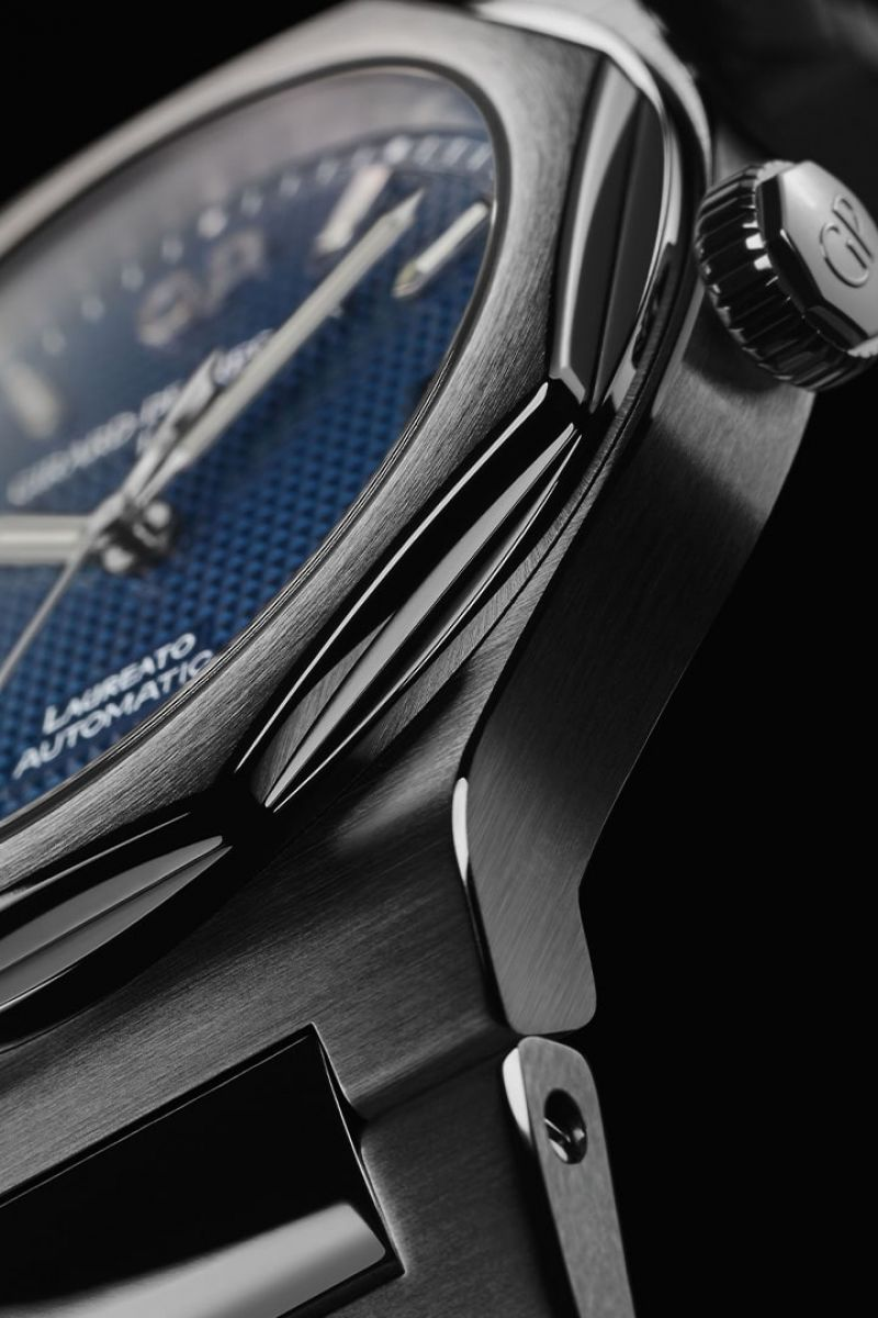 Laureato 42 mm's lifestyle